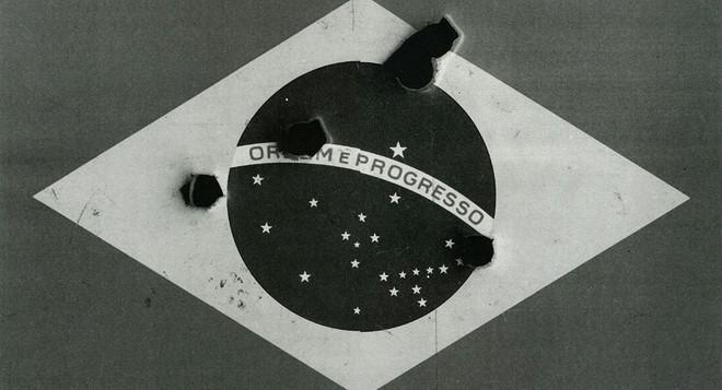 Mixing fiction and reality: the parafictional history of Dora Longo Bahia's 'Do Campo a Cidade' (2010)
